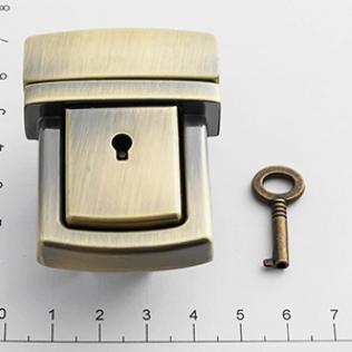 Замок для портфеля и барсетки с ключом 42 мм антик светлый